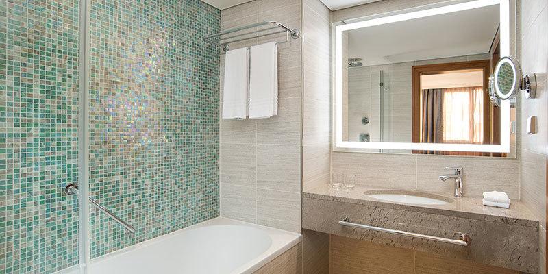 Sheraton Zagreb Hotel Bathroom